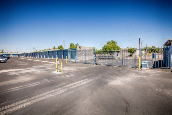 US Storage Centers - Glendale - 5801 West San Miguel Avenue 5801 West San Miguel Avenue Glendale, AZ - Photo 5