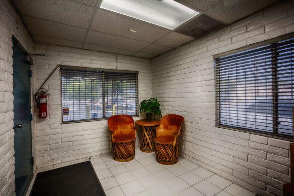 US Storage Centers - Glendale - 5801 West San Miguel Avenue 5801 West San Miguel Avenue Glendale, AZ - Photo 10