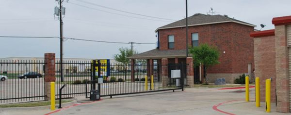 The Storage Place / Mesquite 4809 North Belt Line Road Mesquite, TX - Photo 1