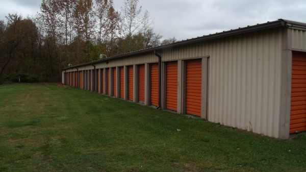 Shenango Mini Storage 405 West Grant Street New Castle, PA - Photo 2