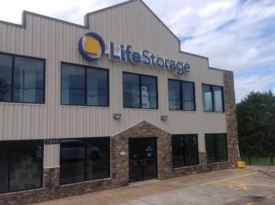 Life Storage - Cedar Park - West Whitestone Boulevard 2440 West Whitestone Boulevard Cedar Park, TX - Photo 0