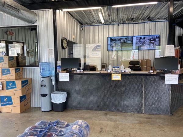 Life Storage - Cedar Park - West Whitestone Boulevard 2440 West Whitestone Boulevard Cedar Park, TX - Photo 4