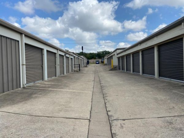 Life Storage - Cedar Park - West Whitestone Boulevard 2440 West Whitestone Boulevard Cedar Park, TX - Photo 7