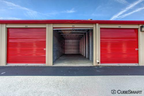 CubeSmart Self Storage - Columbus - 3391 S High St 3391 S High St Columbus, OH - Photo 5