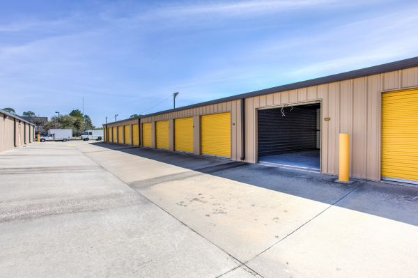 Simply Self Storage - 6121 Spout Springs Road - Flowery Branch 6121 Spout Springs Road Flowery Branch, GA - Photo 3