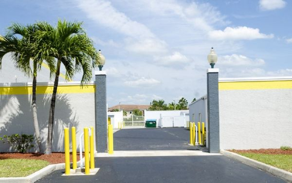 Storage King USA - Fort Pierce 4892 Okeechobee Road Fort Pierce, FL - Photo 8