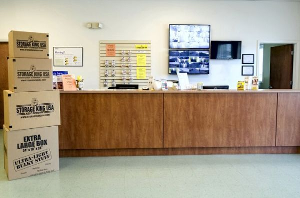 Storage King USA - 015 - Fort Pierce, FL - Okeechobee Rd 4892 Okeechobee Road Fort Pierce, FL - Photo 4