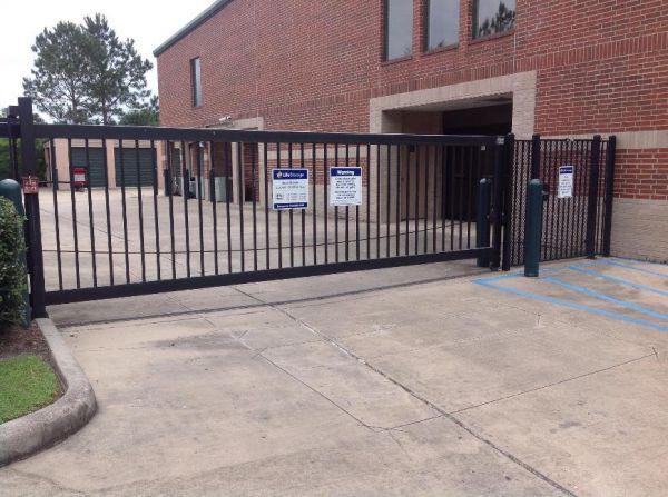 Life Storage - Houston - Mills Branch Drive 2900 Mills Branch Drive Houston, TX - Photo 5