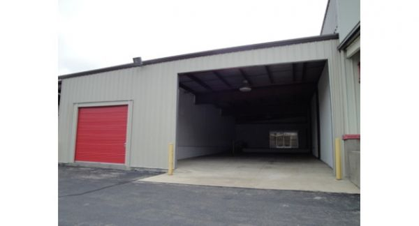Michigan Storage Centers - 8 Mile 15300 Eight Mile Road Oak Park, MI - Photo 8