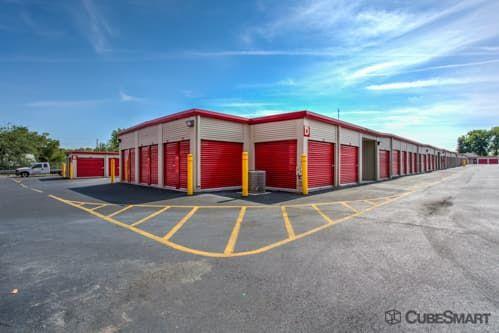 CubeSmart Self Storage - Orlando - 5301 N Pine Hills Rd 5301 N Pine Hills Rd Orlando, FL - Photo 4