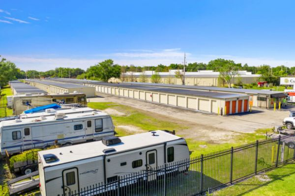 Personal Mini Storage - Kissimmee - 2581 Broadview Dr 2581 Broadview Dr Kissimmee, FL - Photo 4