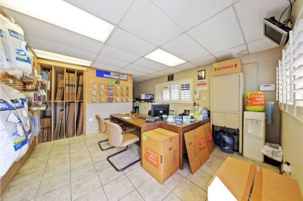 Personal Mini Storage - Kissimmee - 2581 Broadview Dr 2581 Broadview Dr Kissimmee, FL - Photo 5