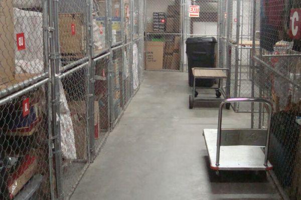 Extra Closet Storage - St Petersburg - 2401 Anvil St N 2401 Anvil St N St Petersburg, FL - Photo 3