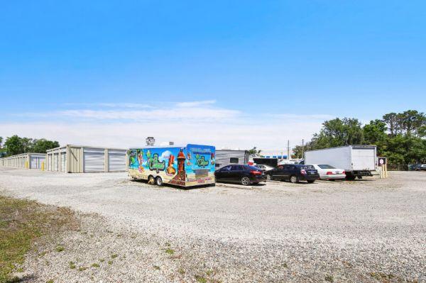 Personal Mini Storage - Apopka - 777 Piedmont Wekiwa Rd 777 Piedmont Wekiwa Rd Apopka, FL - Photo 4