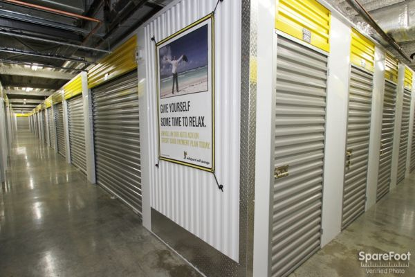 Safeguard Self Storage - Chicago - West Rogers Park 6014 North California Avenue Chicago, IL - Photo 11