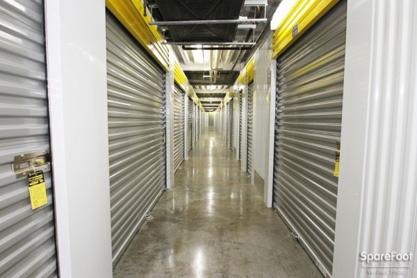 Safeguard Self Storage - Chicago - West Rogers Park 6014 North California Avenue Chicago, IL - Photo 12