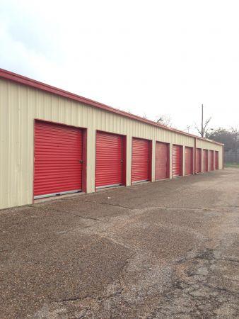 254-Storage 110 901 South 18th Street Waco, TX - Photo 1