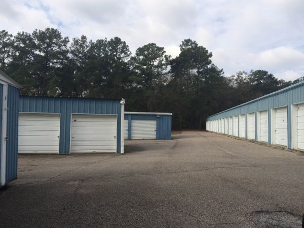 Montgomery Self Storage Fm 28541418 Farm To Market Road 2854 Conroe Tx