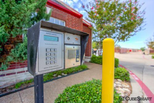 CubeSmart Self Storage - Fort Worth - 3969 Boat Club Rd 3969 Boat Club Rd Fort Worth, TX - Photo 3