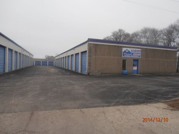 Bon ... AAA Windsor Storage1915 Windsor Road   Loves Park, IL   Photo 2 ...
