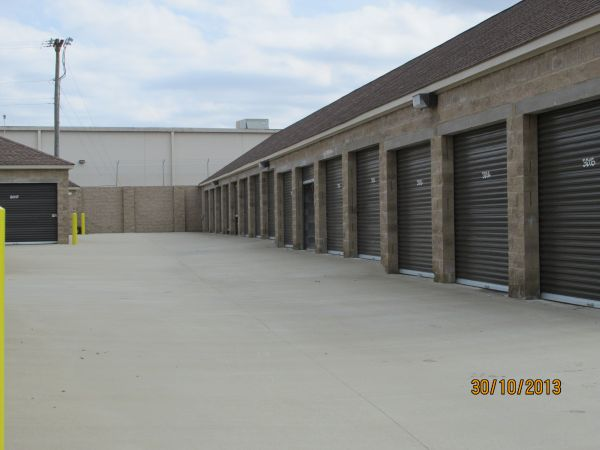 Anytime Storage 2 210 Needmore Rd Clarksville, TN - Photo 3