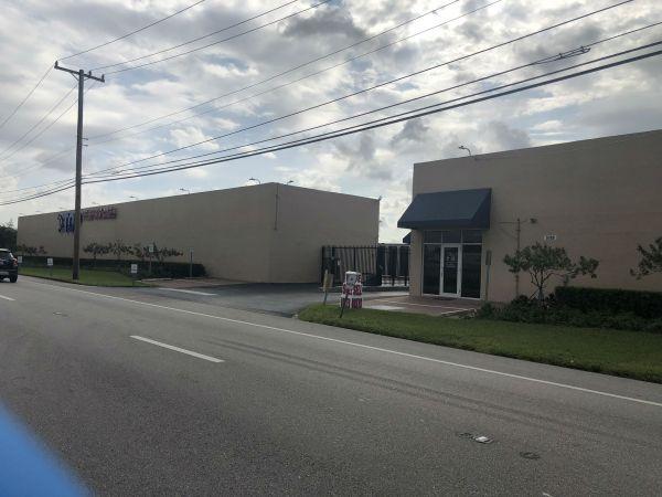 Top Self Storage Miami Gardens 5100 NW 167th St Hialeah, FL - Photo 2