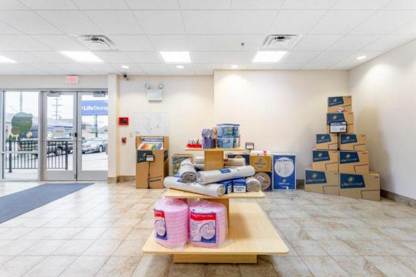 Life Storage - Alsip 5253 West 111th Street Alsip, IL - Photo 8