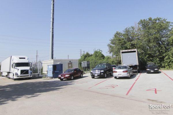 Heller Auto Inc 3104 S Rigsbee Dr Plano, TX - Photo 2