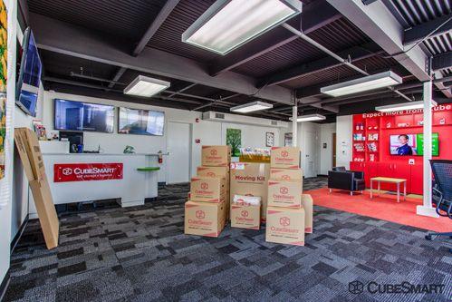 CubeSmart Self Storage - Dallas - 5818 Lyndon B Johnson Fwy 5818 Lyndon B Johnson Fwy Dallas, TX - Photo 4