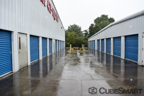 CubeSmart Self Storage - Chattanooga - 1346 Hickory Valley Rd 1346 Hickory Valley Rd Chattanooga, TN - Photo 7