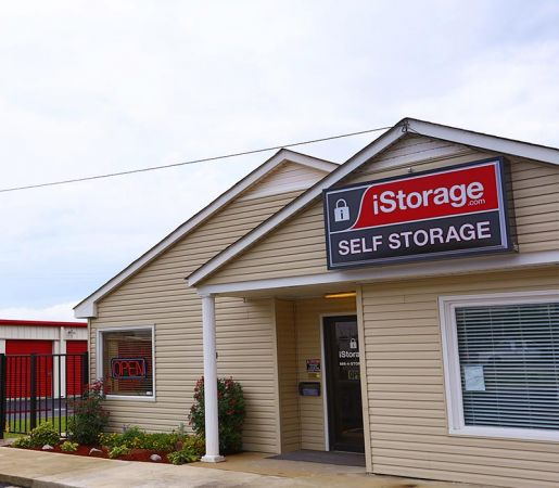 iStorage Priceville 3423 Deere Rd SE Decatur, AL - Photo 0