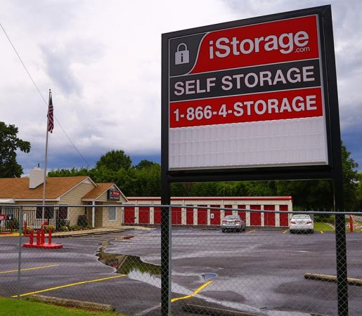 iStorage Priceville 3423 Deere Rd SE Decatur, AL - Photo 1