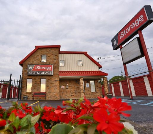 iStorage Decatur Central Parkway 2500 Central Parkway Southwest Decatur, AL - Photo 0