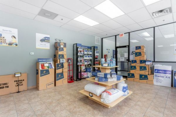 Life Storage - Chicago - 5860 North Pulaski Road 5860 North Pulaski Road Chicago, IL - Photo 8