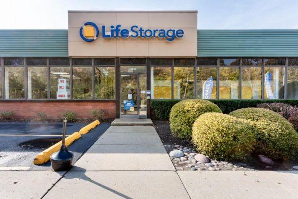 Life Storage - Chicago - 5860 North Pulaski Road 5860 North Pulaski Road Chicago, IL - Photo 2