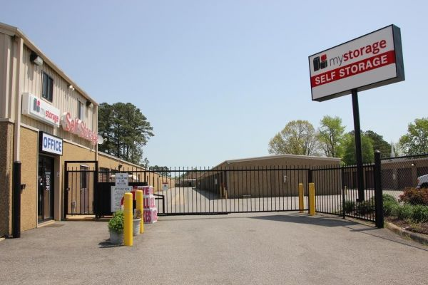 MyStorage - Newport News - 14750 Warwick Blvd 14750 Warwick Blvd Newport News, VA - Photo 2