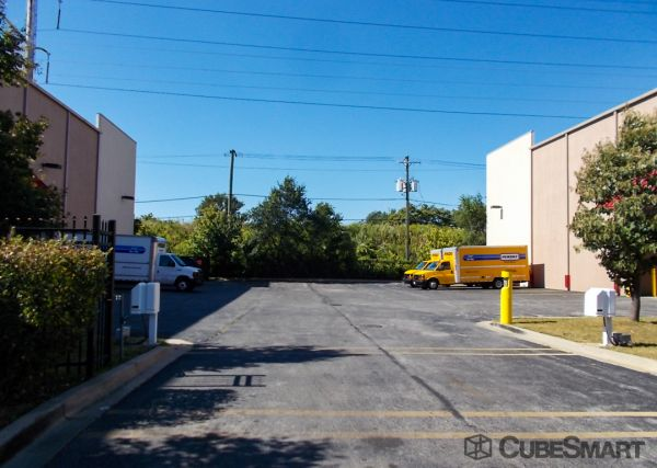 CubeSmart Self Storage - Chicago - 8312 S South Chicago Ave 8312 S South Chicago Ave Chicago, IL - Photo 5