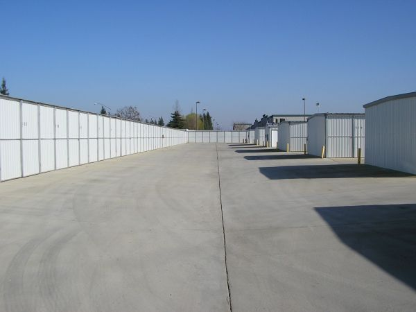 ... Pacific Storage4201 W San Jose Ave   Fresno, CA   Photo 1 ...