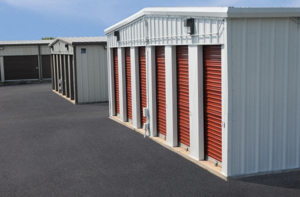 StorageMart - Hwy 40 & Kendall Drive 16855 E Us Highway 40 Independence, MO - Photo 3
