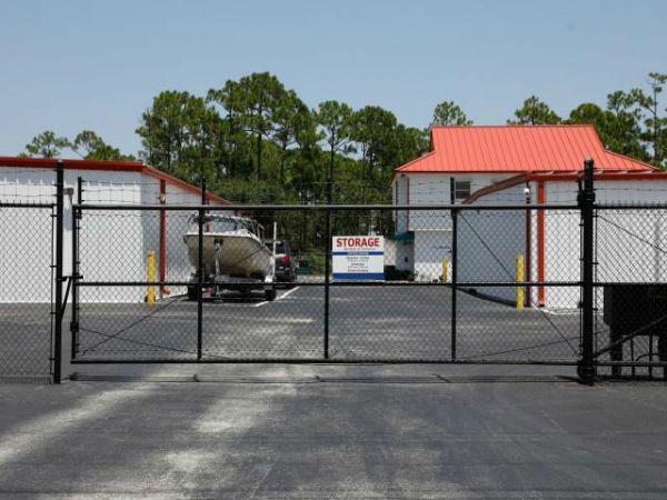 Storage Rentals of America - Hobe Sound - 12825 SE Suzanne Dr 12825 SE Suzanne Dr Hobe Sound, FL - Photo 8