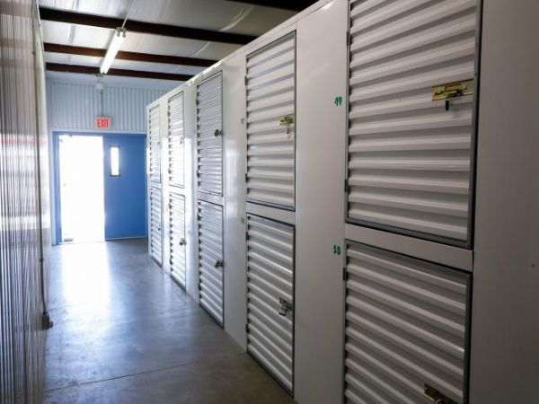 Storage Rentals of America - Hobe Sound - 8705 Southeast Federal Highway 8705 Southeast Federal Highway Hobe Sound, FL - Photo 4