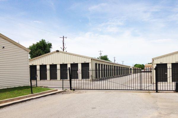 16th Street Storage 4515 Northwest 16th Street Oklahoma City, OK - Photo 1