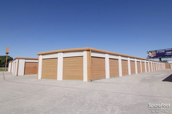 Lockbox Storage 2304 N Interstate 35e Carrollton, TX - Photo 4