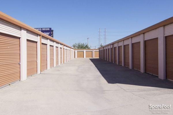 Lockbox Storage 2304 N Interstate 35e Carrollton, TX - Photo 5