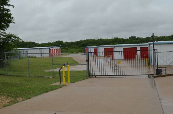 A Action Mini Storage 1551 E Veterans Memorial Blvd Harker Heights, TX - Photo 2