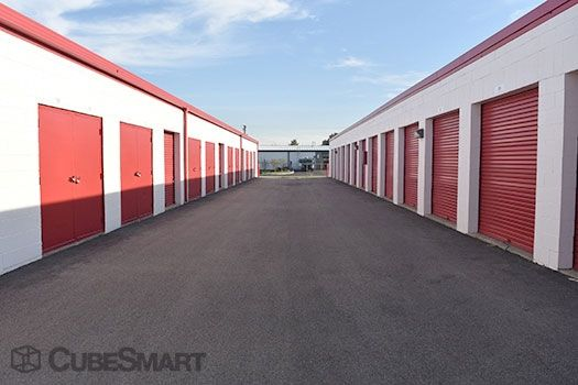 CubeSmart Self Storage - Crystal Lake 7209 Teckler Boulevard Crystal Lake, IL - Photo 7