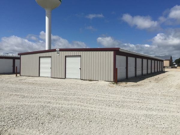 Leading Edge Storage 101 Innovation Way Colona, IL - Photo 0