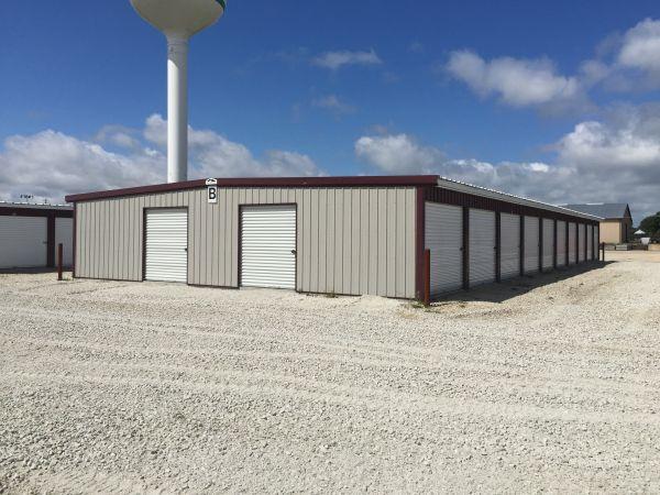 Leading Edge Storage 101 Innovation Way Colona, IL - Photo 1