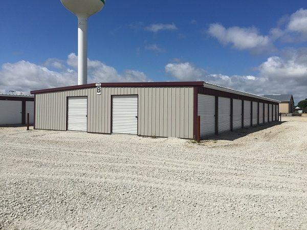 Leading Edge Storage 101 Innovation Way Colona, IL - Photo 2