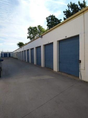 Absolute Self Storage 8125 Maddox Street Dallas, TX - Photo 2